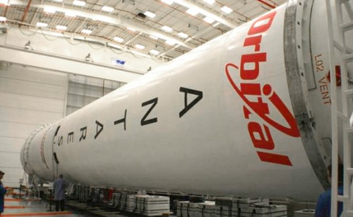 antares-rocket-assembly